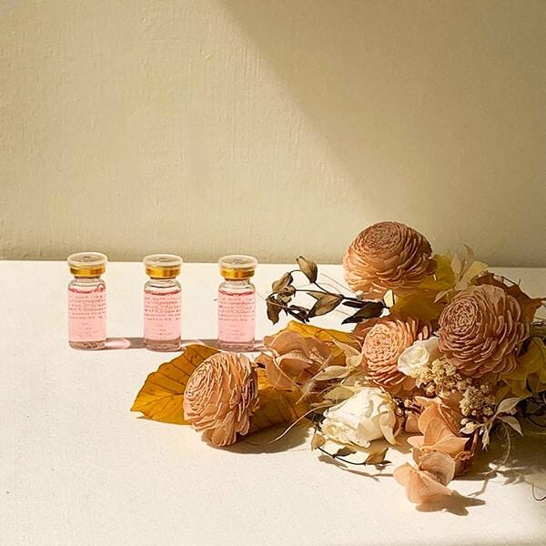 Lily Rosee 玻尿酸和乾燥花